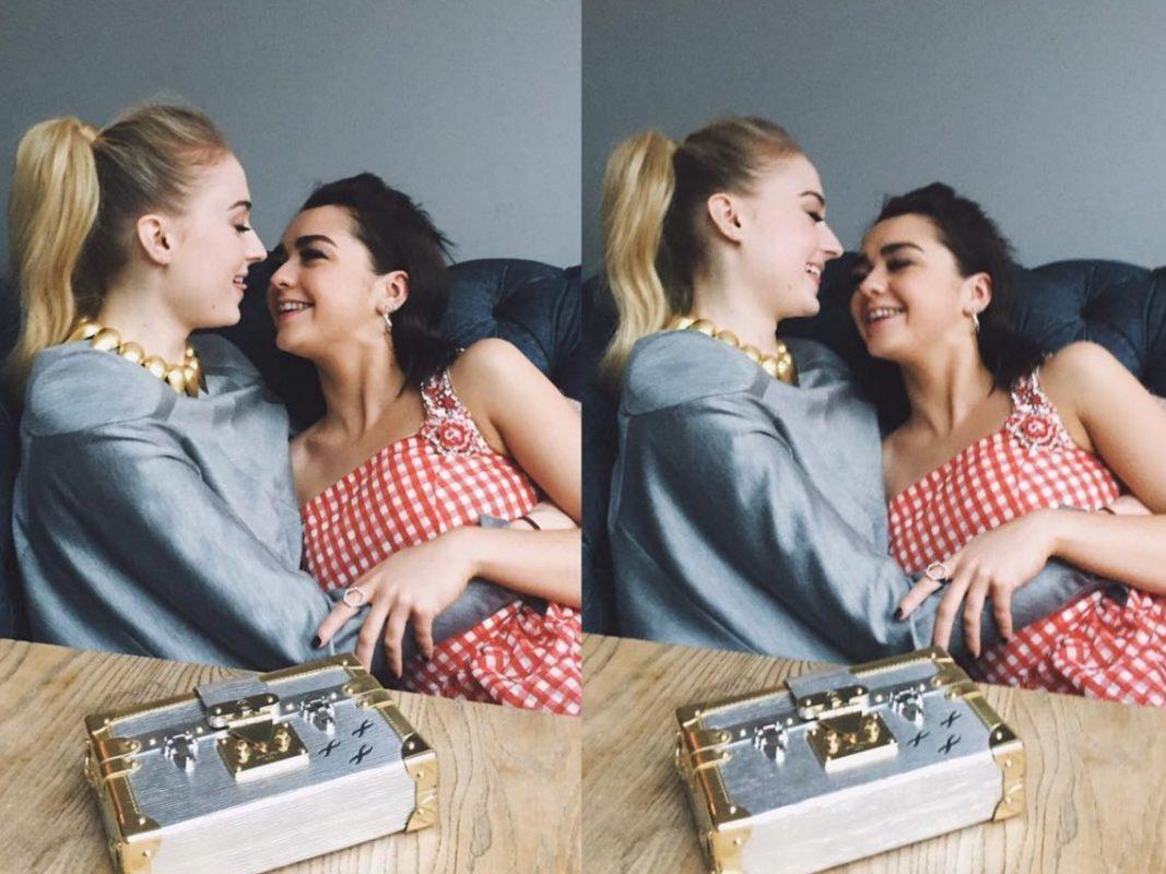 Οι αδελφές Σταρκ σε κοινή φωτογράφιση λίγο πριν την πρεμιέρα του Game of Thrones - Roxx.gr