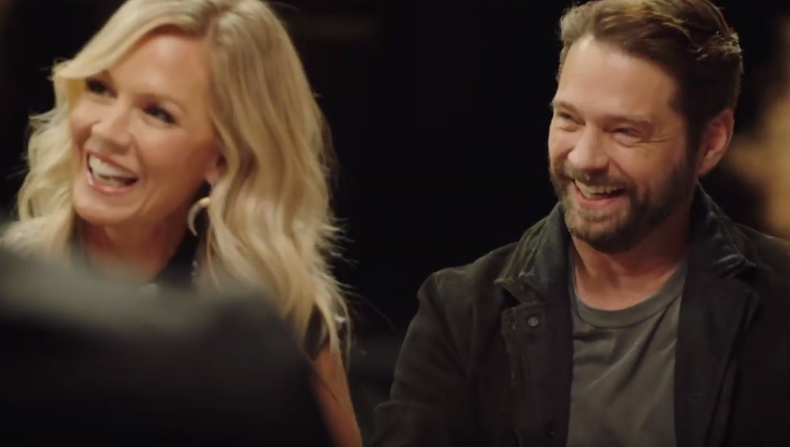 Οι πρωταγωνιστές του Μπέβερλι Χιλς ξανά μαζί – Τον Αύγουστο κάνει πρεμιέρα η σειρά - Roxx.gr