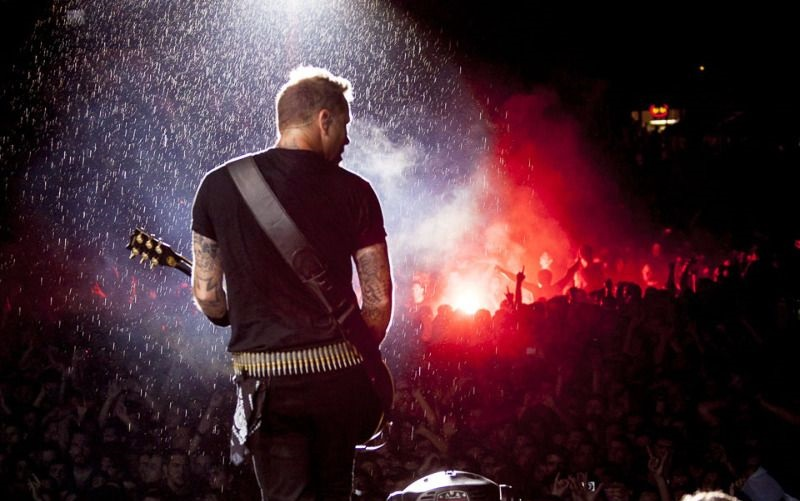 Δέκα χρόνια από την τελευταία εμφάνιση των Metallica στην Ελλάδα μέσα στη βροχή! - Roxx.gr