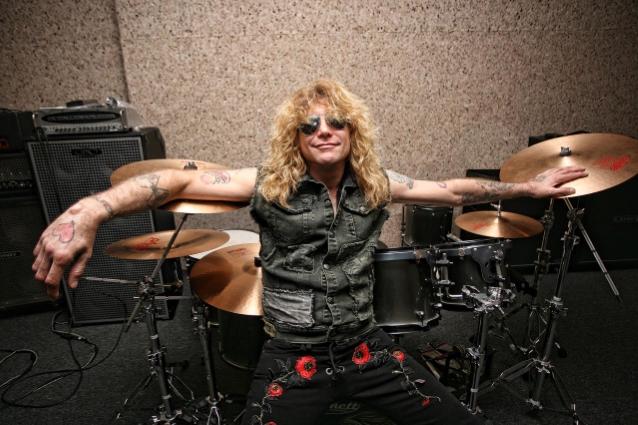 Αυτομαχαιρώθηκε ο πρώην ντράμερ των Guns N' Roses – Είναι στο νοσοκομείο - Roxx.gr