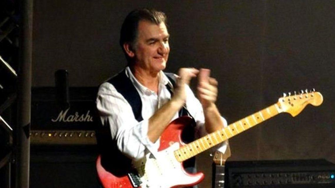Έφυγε από τη ζωή ο Γιάννης Σπάθας, ο κιθαρίστας των σπουδαίων Socrates - Roxx.gr