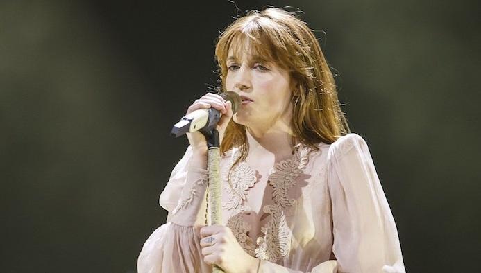 Όποιος προλάβει: Και τρίτη μέρα στην Ελλάδα οι Florence & the Machine - Roxx.gr