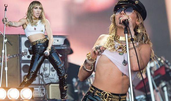 Η Miley Cyrus τραγούδησε το Nothing Else Matters στο Glastonbury! - Roxx.gr