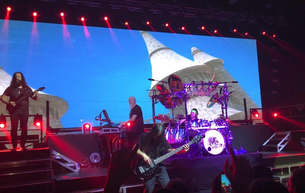 Όλα όσα ζήσαμε στο φιάσκο της συναυλίας των Dream Theater - Roxx.gr
