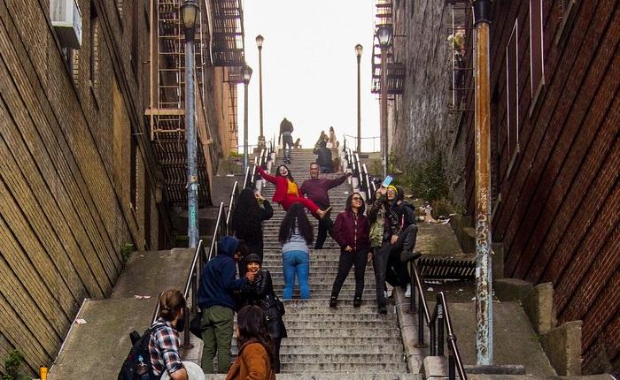 Καθημερινός χαμός στα σκαλιά που γυρίστηκε το Joker - Roxx.gr