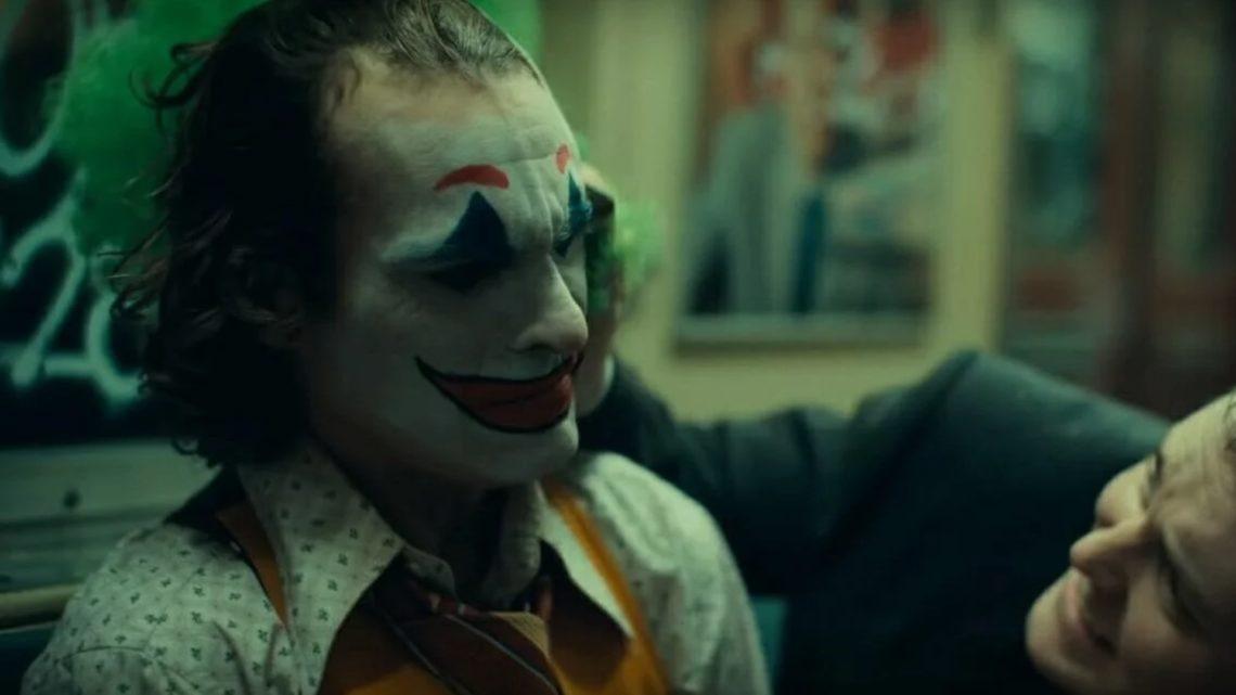 Και τώρα ο Παπακαλιάτης: Το Joker τους άφησε όλους πίσω και είναι μία ανάσα από την κορυφή της δεκαετίας - Roxx.gr