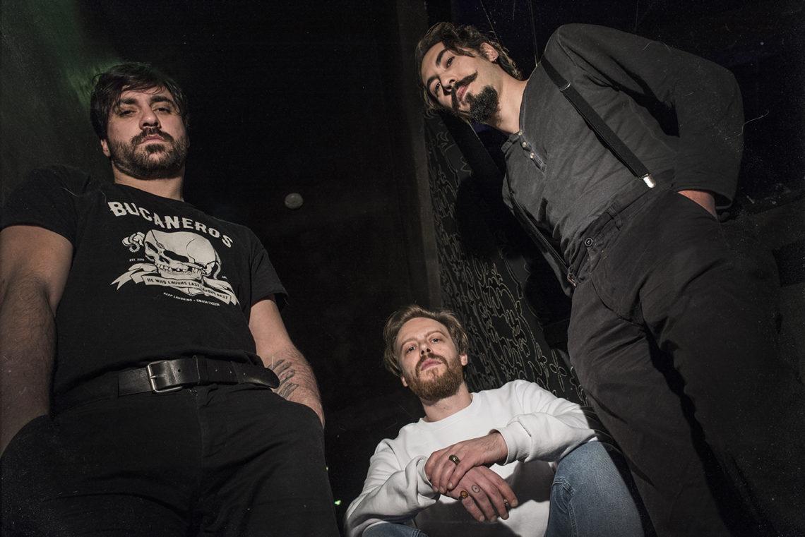 Ακούστε το νέο τραγούδι των Monovine - Roxx.gr