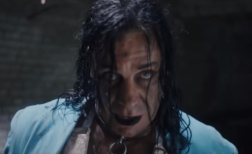 O Till Lindemann των Rammstein κυκλοφόρησε ένα από τα πιο ακατάλληλα βίντεο όλων των εποχών - Roxx.gr