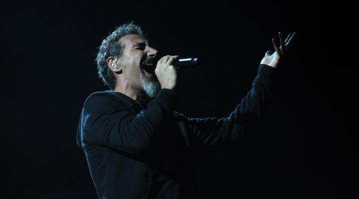 Ακούστε τον Serj Tankian να τραγουδάει David Bowie - Roxx.gr
