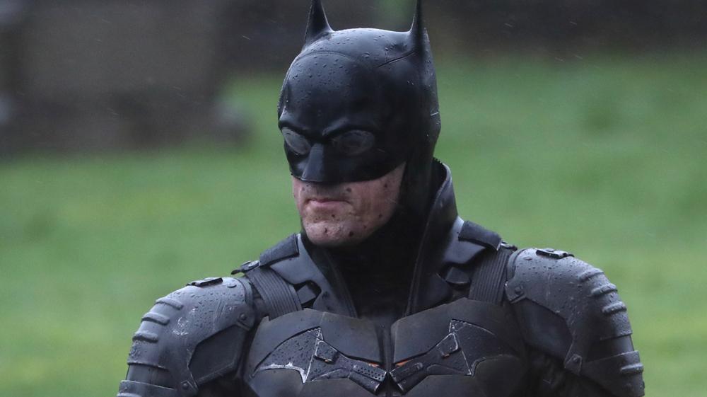 Διέρρευσαν εικόνες από τα γυρίσματα του Batman – Αυτή είναι η στολή και η νέα μηχανή! - Roxx.gr
