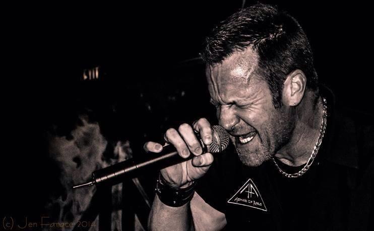 Φανταστική ακουστική εκτέλεση του I Died For You των Iced Earth από τον Matt Barlow - Roxx.gr