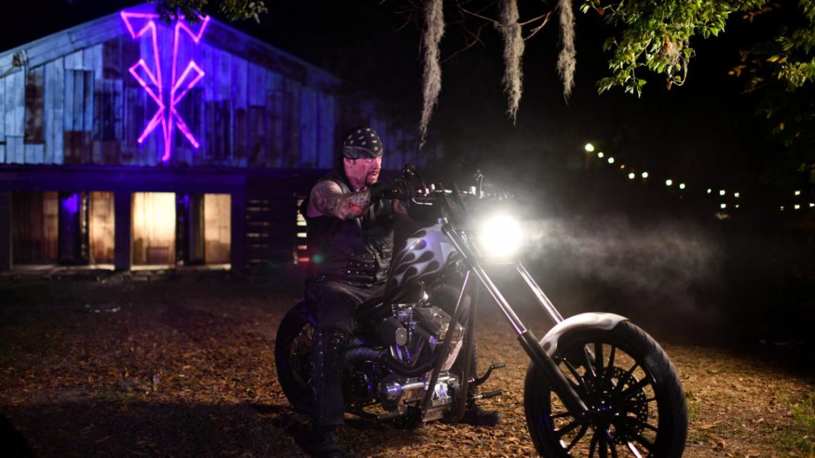 Ο Undertaker έκανε την εμφάνιση του με Metallica στη Wrestlemania - Roxx.gr