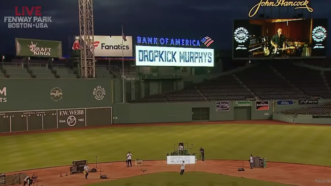 Απίθανη εμφάνιση των Dropkick Murphys σε άδειο γήπεδο μαζί με τον Bruce Springsteen - Roxx.gr