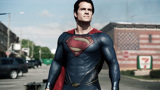 Superman: Ο Χένρι Κάβιλ θα βάλει ξανά τη στολή! - Roxx.gr