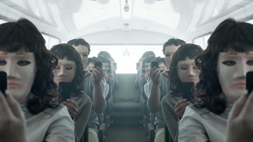 Black Mirror: Ο δημιουργός του δεν φτιάχνει νέα επεισόδια γιατί η πραγματικότητα είναι πιο ζοφερή - Roxx.gr