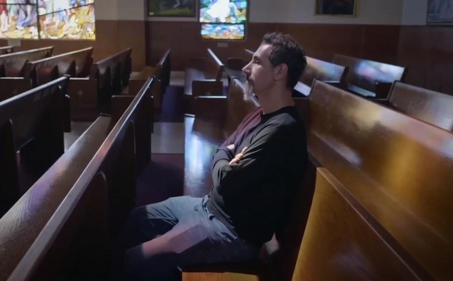 Αυτό είναι το πρώτο κλιπ του ντοκιμαντέρ για τον πολιτικό ακτιβισμό του Serj Tankian - Roxx.gr