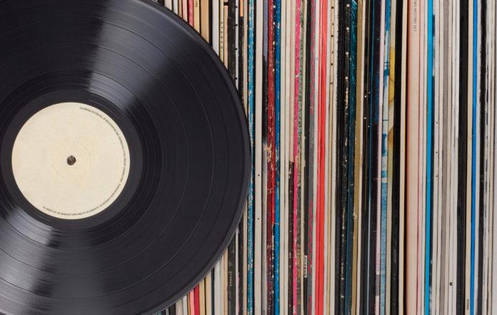 Βινύλια: Ξεπέρασαν για πρώτη φορά σε πωλήσεις τα CD από τη δεκαετία του '80 - Roxx.gr