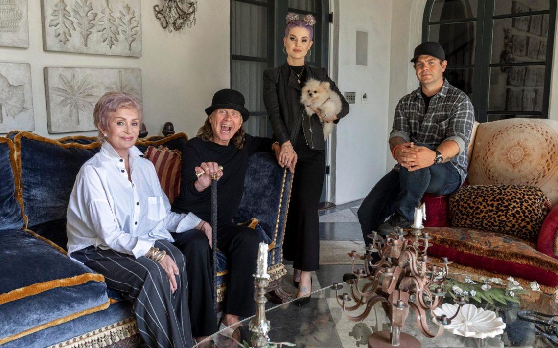 Ο Ozzy και η οικογένεια του τα βάζουν με φαντάσματα! - Roxx.gr