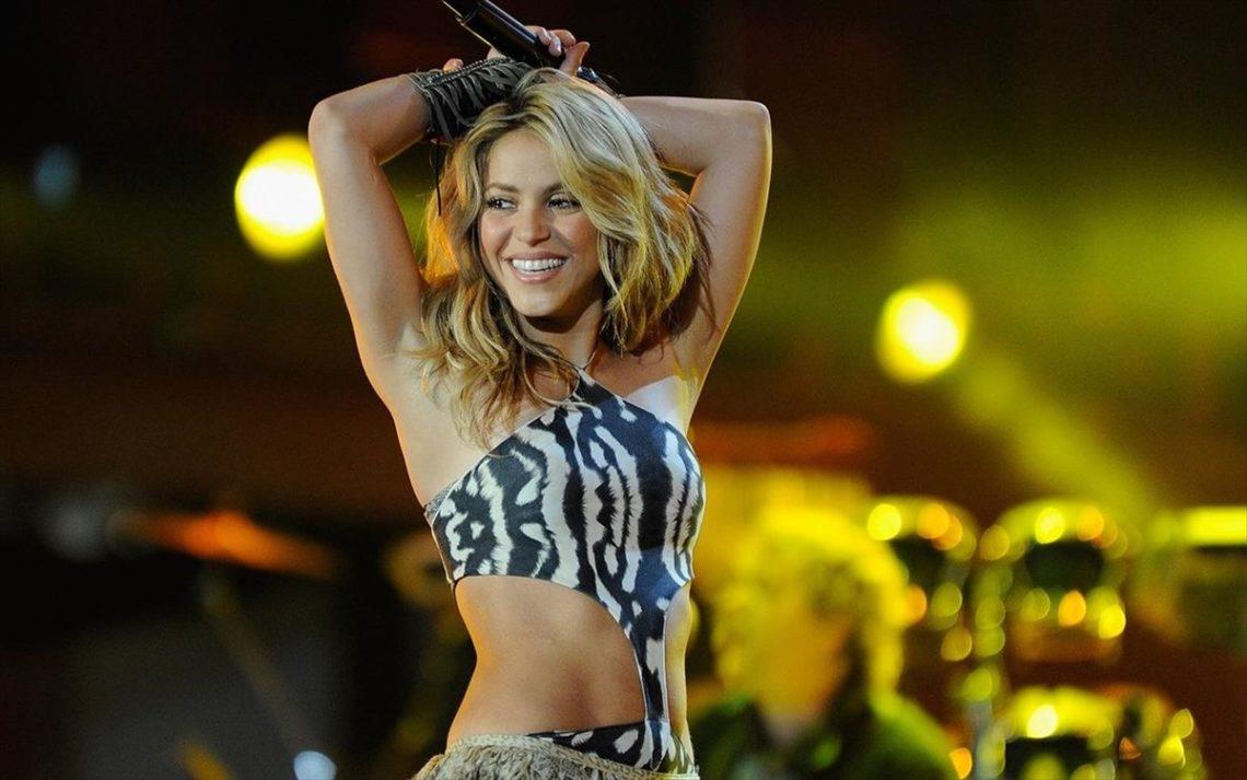 Shakira: «Ακούμε Metallica και βάφουμε τα νύχια μας θαλασσί» - Roxx.gr