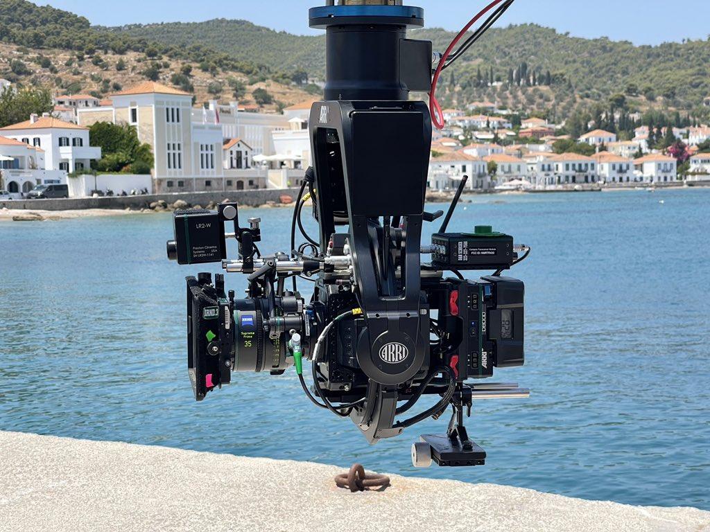 Οι πρώτες εικόνες από τα γυρίσματα του δεύτερου Knives Out στην Ελλάδα - Roxx.gr