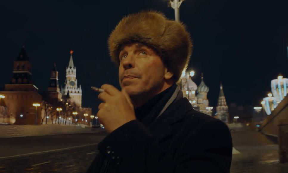 Lindemann: Ο τραγουδιστής των Rammstein «μισεί τα παιδιά» σε ένα τρομερά βίαιο βίντεο - Roxx.gr