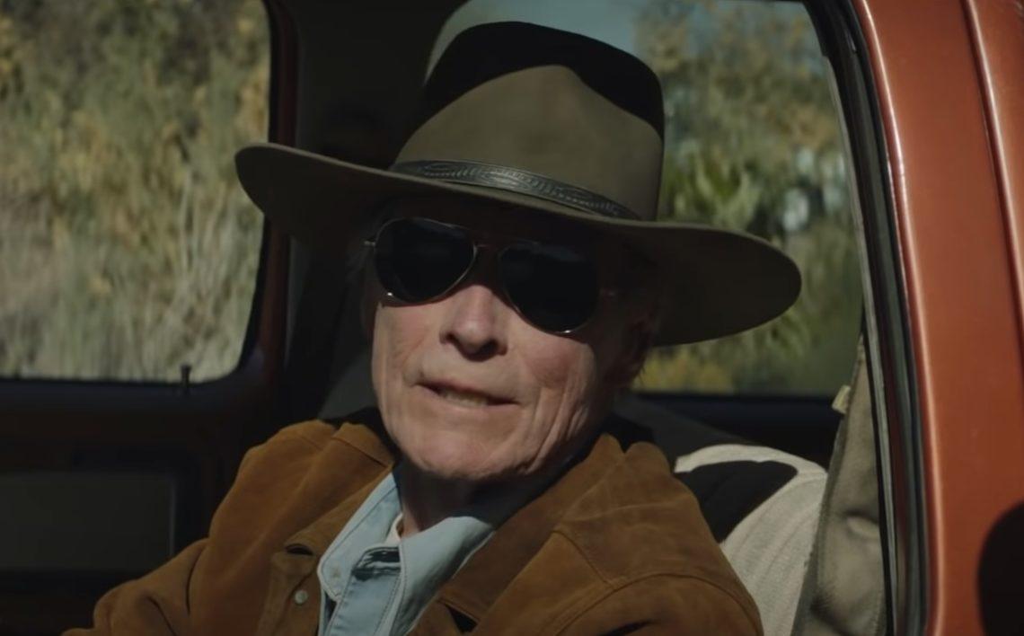 Στα 92 του ο Κλιντ Ίστγουντ όχι μόνο σκηνοθετεί αλλά και πρωταγωνιστεί στο Cry Macho! - Roxx.gr