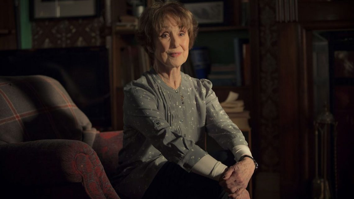 Πέθανε στα 84 της η Mrs Hudson του Sherlock - Roxx.gr