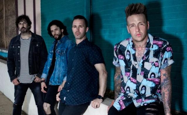 Το πρώτο δείγμα από το νέο άλμπουμ των Papa Roach - Roxx.gr