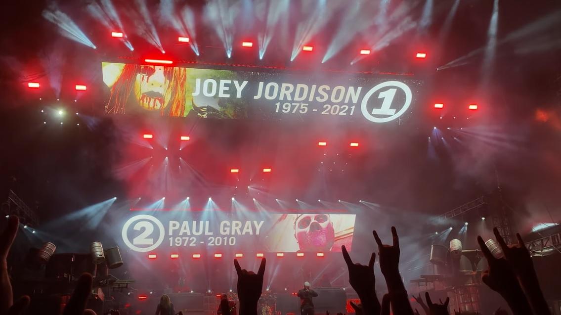 Οι Slipknot τίμησαν Joey Jordison και Paul Gray στο φινάλε του Knotfest - Roxx.gr