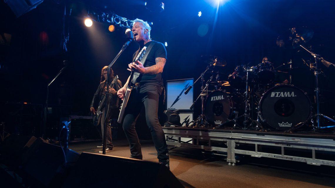 Το επίσημο βίντεο των Metallica για το Whiplash μπροστά σε 400 άτομα! - Roxx.gr